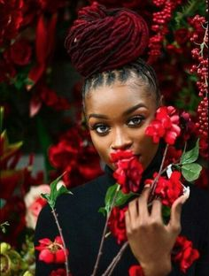 This just sold me on coloring my hair burgundy 🍒🍓🌹🥀👠 Dreadlock Styles, Dreads Styles, Dreadlock Hairstyles, Braided Hairstyles, Curly Hair Styles, Natural Hair Styles, Hairstyle Short, Hair Updo, Short Hair