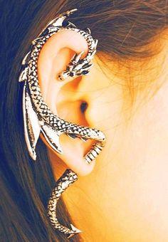 50 Beautiful Ear Piercings <3 <3 >>>>I want this dragon cuff!! ❤️❤️❤️
