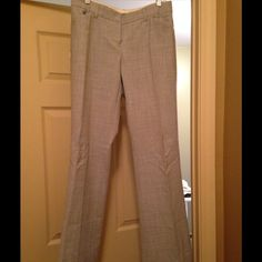 Express Design Studio dress pants size 6. Grey dress pants for work with a wide leg. Great with high heels or boots. Editor style. Express Pants Wide Leg