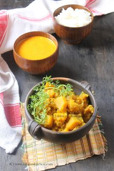 Pumpkin Subzi Goan style also known as dudyachi bhaji is a zero oil, under 20 minutes easy and healthy recipe made with red or yellow pumpkin. Best Lunch Recipes, Healthy Soup Recipes, Veg Recipes, Cheap Clean Eating, Clean Eating Meal Plan, Clean Eating Recipes, Goan Recipes, Indian Food Recipes, Pumkin Recipes