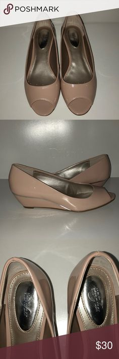 """Alfani Size 6 Blush Patent Leather Wedges Blush/Nude Patent Leather Heels Peep toe with 1-1 1/2"""" heel Alfani Step n Flex style for flexible support, cushioning and comfort Size 6M Worn very few times, still in amazing condition!  Feel free to give me a reasonable offer💟 All items come from a smoke-free home🚭 Alfani Shoes Wedges"""