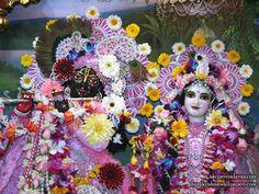 Sri Sri Radha Shyamsundar Close up Wallpaper (006)   Download Wallpaper: http://wallpapers.iskcondesiretree.com/sri-sri-radha-shyamsundar-close-up-iskcon-vrindavan-wallpaper-006/  Subscribe to Hare Krishna Wallpapers: http://harekrishnawallpapers.com/subscribe/  #Krishna, #RadhaKrishna, #RadhaShyamsundar, #Shyamsundar, #SrimatiRadharani