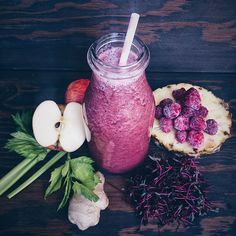 Red smoothie: beetroot microgreens, ginger, pinapple, celery, apple, raspberries