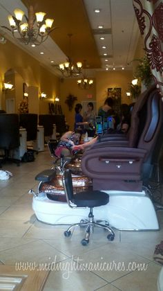 Midnight Manicures: A Ladies Day Out At The Spa  Click through to see the whole review.