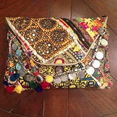 Hint.Boutique.Blog.: Tylie Malibu Quilted Prana Clutches
