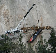Recovery of Train hit a rock slide in Fraser Canyon near Lytton, B. Ho Trains, Model Trains, Fraser Canyon, Canadian National Railway, Abandoned Train, Train Times, Train Pictures, Model Train Layouts, Train Tracks