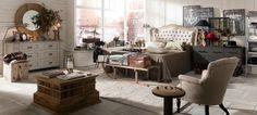 Lo stile Industrial chic unisce charme e spirito contemporaneo. Ispirato agli ex magazzini industriali, è ingentilito da dettagli shabby e romantici, e da citazioni vintage.