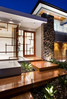 Countless for home interior design. But what about your home exterior design? What is your plan to realize your dream home? I see many home owners emphasizing modern design and maximizing it on their living room design. Modern Exterior, Exterior Design, Interior And Exterior, Exterior Homes, Exterior Signage, Design Entrée, Deco Design, Design Ideas, Design Styles