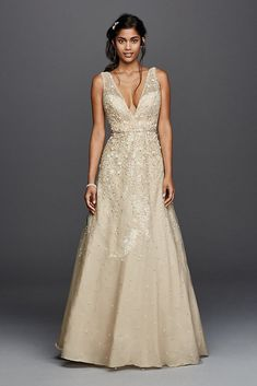 e20336864cf20 2019 Brides, Please See Yourselves Over to This Stunning $200 Gold Wedding  Gown