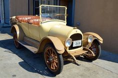 1925 Overland Touring Car....simple and plane looking but rugged....