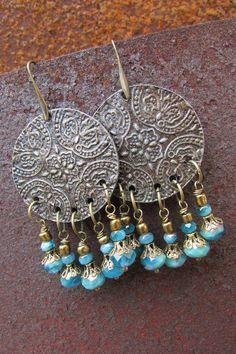Boucles d'oreilles motif mandala en métal par LaCaravaneTzigane