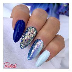 Niebieskie 91 SAPPHIRE, 69 BABY BLUE oraz efekt SEQUIN #bluenails #provocaternails #pic #provoholic #provocater #hybrydy #hybryda #hybrid #hybridnails #nails #nails #nailart #nailswag #summernails #paznokcie #mani #paznokciehybrydowe #manicure #manicurehybrydowy