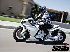 Race-Spec 2009 Yamaha R1 vs. Fat-Tire 2012 Yamaha R1   When Worlds Collide