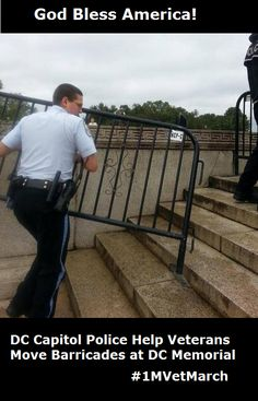 DC Capitol Police Help Veterans Move Barricades at DC Memorial - October 2013