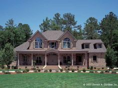 Farmhouse House Plan with 3167 Square Feet and 4 Bedrooms(s) from Dream Home Source | House Plan Code DHSW41809
