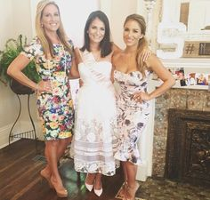 Jessie James Decker with her mama and sister Sydney Jessie James Decker Wedding, Eric And Jessie Decker, Jesse James Decker, Eric Decker, Jessica James, Jessica Rose, Mama Karen Parker, Sydney Rae James, Modest Outfits