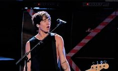 Which 5SOS Member Is Actually Your Soulmate-- I got Calum. ☺ Also, thank god this gif exists.