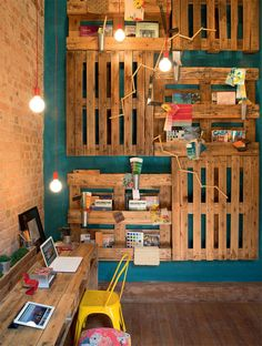 Recycled Office in Brazil Features Cool Shelves from Recovered Pallets : TreeHugger