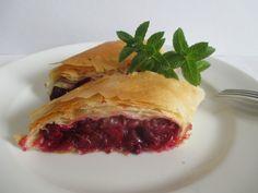 Cseresznyével vegyesen is elkészítheted (abból mostanában mindig több terem). Minion, Sandwiches, Beef, Food, Meat, Essen, Minions, Meals, Paninis