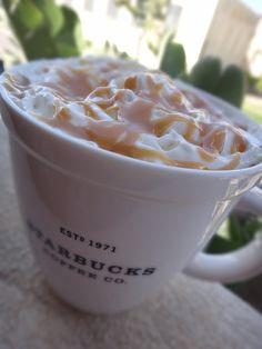 Homemade Caramel Macchiato #diy #diycaramelmacchiato #caramelmacchiato  #Iced #Starbucks #Coffee #Caramelo #Vainilla #Cafe