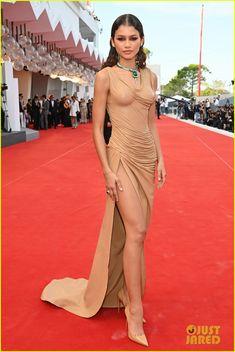 Celebrity Red Carpet, Celebrity Look, Red Carpet Gowns, Zendaya Coleman, Hot Brunette, International Film Festival, Celebs, Celebrities, Red Carpet Fashion