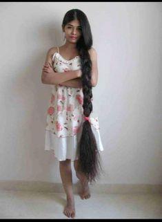 How to Maintain Healthy Hair: 100 Hair Care Tips You'll Love Indian Hairstyles, Girl Hairstyles, Braided Hairstyles, Pigtail Hairstyles, Wedding Hairstyles, Long Black Hair, Very Long Hair, Dark Hair, Red Hair