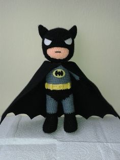 Amigurumi: Creative Ideas and Tips for Making Beautiful Mo . - Entire birthday parties can be decorated with amigurumi. Batman Amigurumi, Amigurumi Doll, Love Crochet, Crochet Baby, Knit Crochet, Knitted Dolls, Crochet Dolls, Batman Crochet, Crochet Patterns Amigurumi