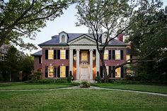 Sweet Southern Charm ⚓--- my absolute dream.