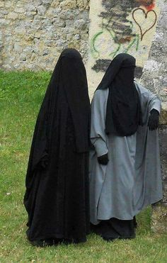 Sisters in Islam Beautiful Muslim Women, Beautiful Hijab, Hijab Niqab, Hijab Outfit, Horse Costumes, Hijabi Girl, Islamic Clothing, Muslim Girls, Abaya Fashion