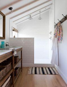 Creative Décor: 39 Bathrooms With Half Walls | DigsDigs