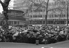 Refuse collectors strike 1979 (Leicester Sq London). Photo by Tony Withers