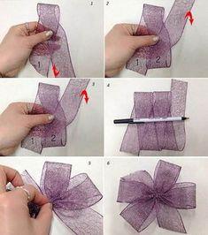 Your Daily Tidbit: Bow-dacious - Salvabrani Making Hair Bows, Diy Hair Bows, Diy Bow, Diy Ribbon, Ribbon Crafts, Ribbon Bows, Wreath Bows, Ribbons, Christmas Bows