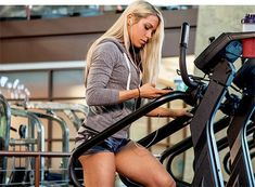 There& nothing quite like the feeling you get after a super tough leg workout. If you haven& felt it in a while, then you need to try Ashley Hoffmann& leg smash. It& brutal, but it& exactly what you need for strong, statuesque legs! Bikini Fitness, Fit Girl Motivation, Fitness Motivation, Lifting Motivation, Fitness Diet, Health Fitness, Body Fitness, Female Fitness, Leg Routine