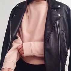 Blush pink sweater with black leather jacket on top Mode Style, Style Me, Daily Style, Look Fashion, Womens Fashion, 90s Fashion, Indie Fashion, Girl Fashion, Swag Fashion