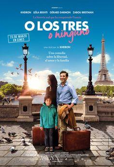 """Campaña de publicidad en quioscos de prensa de Madrid en ubicaciones de alto tránsito, para promocionar la película """"O los tres o ninguno"""", una comedia sobre la libertad, el amor y la familia."""
