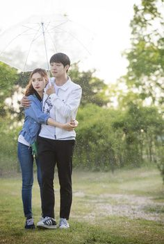 """""""The Girl Who Sees Smells"""": Yoochun & Shin Se Kyung's Tasty, Healthy, And Rainy Date 
