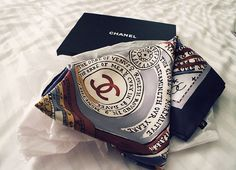 dennnnnaaaa Chanel Scarf, Love Others, Notes, Detail, Accessories, Beauty, Fashion, Moda, Report Cards