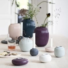 Use the elegant, plum Hammershøi tealight holder to create an exciting contrast to an otherwise monochrome Scandinavian interior. The small tealight holder is created with the historical furrows, which characterise the entire Hammershøi range. The furrows let the plum glaze spread lightly and elegantly over the surface in the most beautiful way.