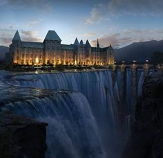 Замок у водопада, Канада