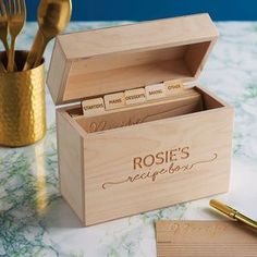 personalised wooden recipe box, with different separators, diy gifts for mom, placed on marble countertop Gifts For Your Mom, Unique Gifts For Her, Christmas Gifts For Mom, Christmas Fun, Wooden Gifts, Wooden Diy, Matching Gifts, Diy Box, Recipe Cards