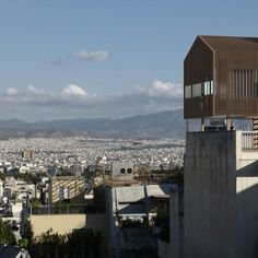 This city rooftop cabin offers an alternative to the primitive forest hut.