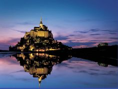 Mont Saint Michel, France * been here, but haven't visit it by night.so good excuse nah? Oh The Places You'll Go, Cool Places To Visit, Great Places, Places To Travel, Travel Destinations, Mont Saint Michel France, Le Mont St Michel, Beautiful Castles, Beautiful Places