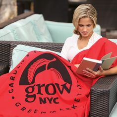 """Just like their favorite sweatshirt, they'll be able to cozy up to your brand whenever they want. It's made of 50% cotton/50% polyester, 280 g/sqm. This self-hemmed blanket is a great way to advertise in nearly any industry including hotels, equipment rentals, insurance carriers and more. Extend your reach to cover more of your target audience! 50"""" x 60"""" Available colours: Athletic Grey, Black, Scarlet Red"""