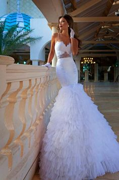 Gives the term mermaid dress a whole new meaning! Love!and I hate mermaid dress