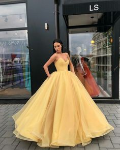 Strapless Bodice Corset yellow Tulle Ball Gowns Prom Dresses Sleeveless