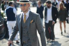 mens-suit-style-fashion-shirt-lifestyle