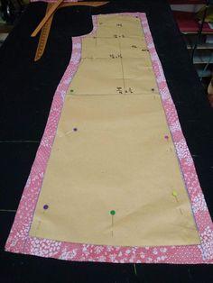 Pattern Drafting Tutorials, Dress Sewing Tutorials, Dress Sewing Patterns, Sewing Patterns Free, Sewing Hacks, Cotton Saree Blouse Designs, Blouse Back Neck Designs, Baby Sewing Projects, Batik Dress