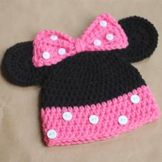 Minnie Mouse Crochet Hat Pattern... This is kinda cool lol.
