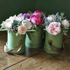 One day I will receive flowers in a hat box from the Real Flower Company. How marvellous it will be. Friendship Flowers, Flower Company, Luxury Flowers, Hat Boxes, Send Flowers, Floral Style, Flower Delivery, Amazing Flowers, Floral Arrangements