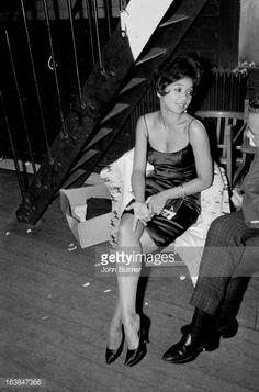 Frances Davis, the wife of American jazz trumpeter Miles Davis, Taylor Davis, Miles Davis Wife, Jean Simmons, Vintage Black Glamour, Glamour Photo, Jazz Musicians, Marlon Brando, Style And Grace, Black People